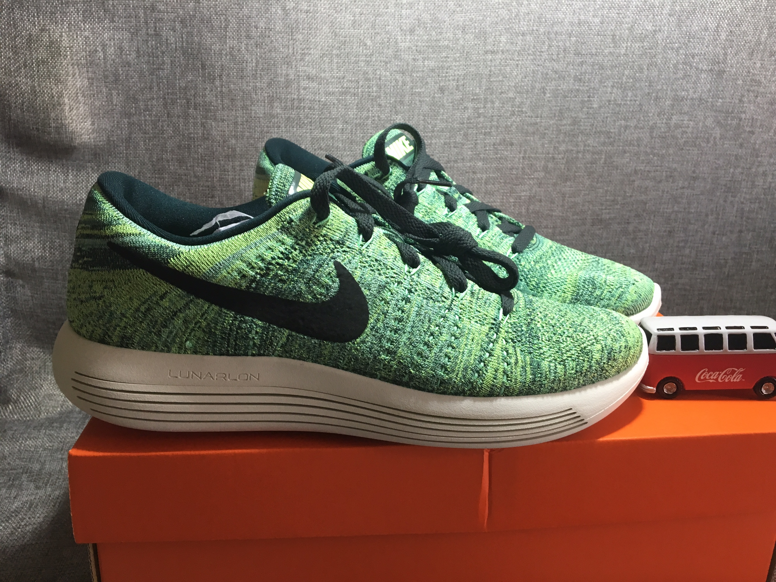 耐克Nike lunaepic flyknit low2飞线跑鞋运动鞋US9 42.5码