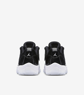 "Air Jordan 11 Low ""Barons"" 男子篮球鞋"