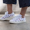 adidas Originals  COURTVANTAGE BZ0649 女士休闲印花板鞋