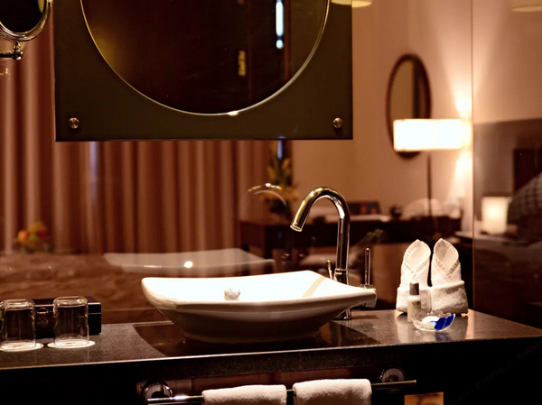 苏州南园宾馆 豪华大床房 2晚 早餐2份 + 双人下午茶+景点免费参观
